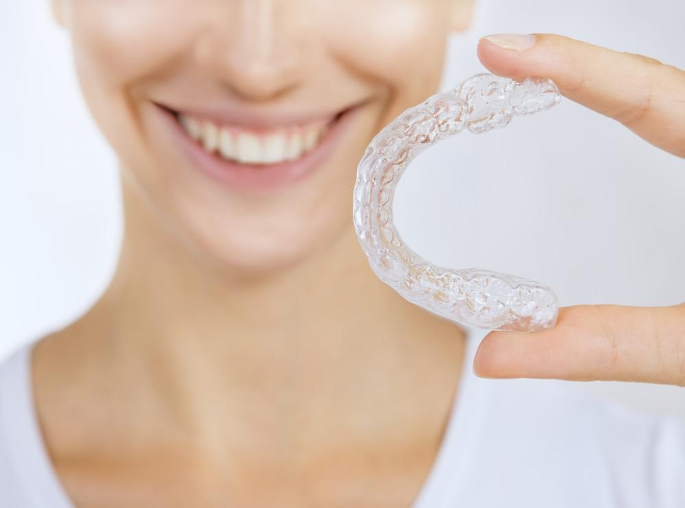 5 Helpful Tips for Taking Care of Your Clear Aligners
